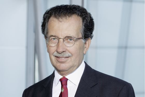 Commerzbank Chairman Vetter Abruptly Resigns, Citing Health