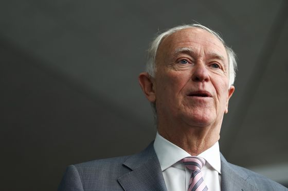 Emirates Presidentto Delay Retirement to 2021