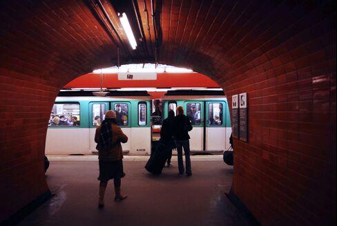 Paris $39 Billion Metro Lures Bouygues to Rare Public Project