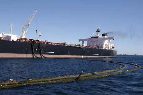 The Monte Toledo oil tanker in Algeciras on March 6.
