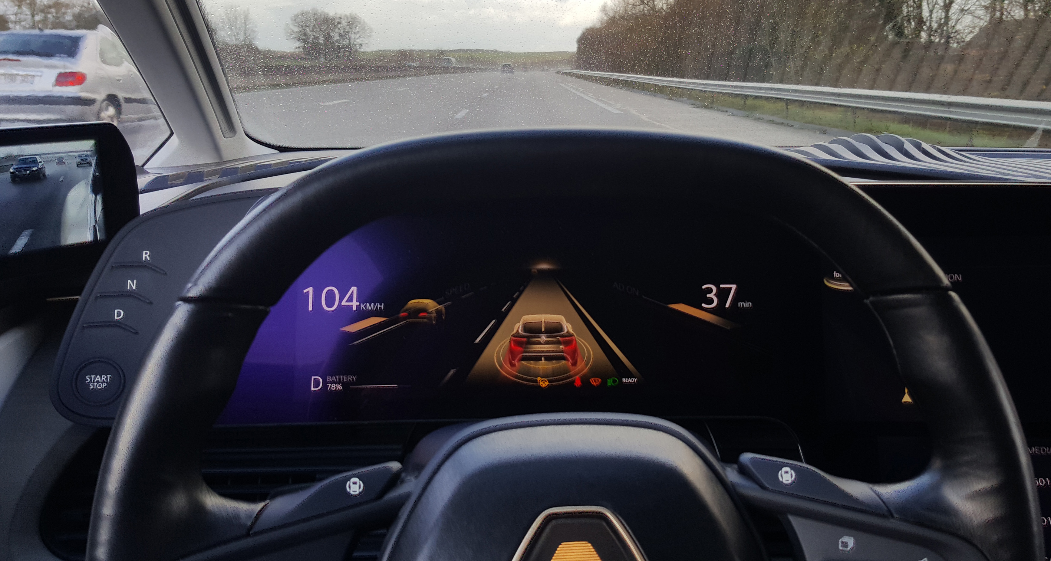 Cruising With No Hands At 80 Mph In Renault S Autonomous Car Bloomberg