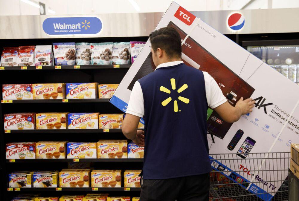 The Real Reason Walmart Raised Its Minimum Wage - Bloomberg