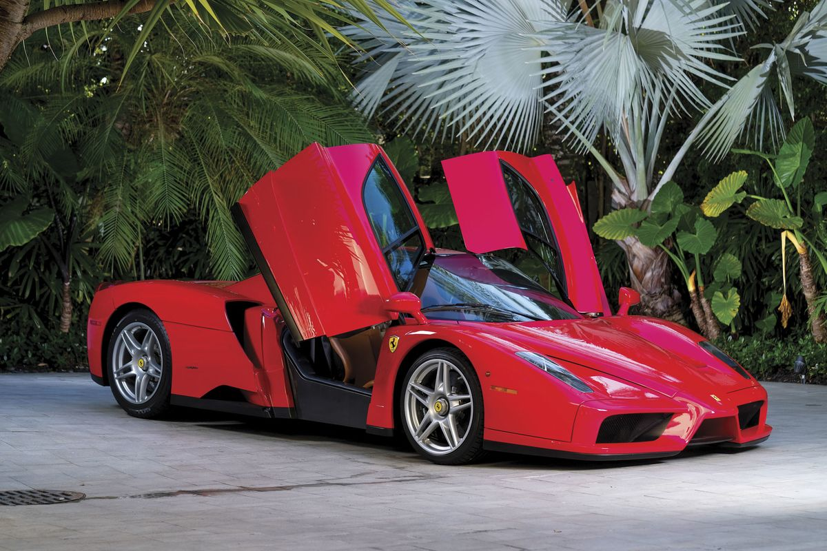 tommy hilfigers ferrari enzo might fetch 3 million at auction bloomberg - Ferrari Enzo 2015 Price