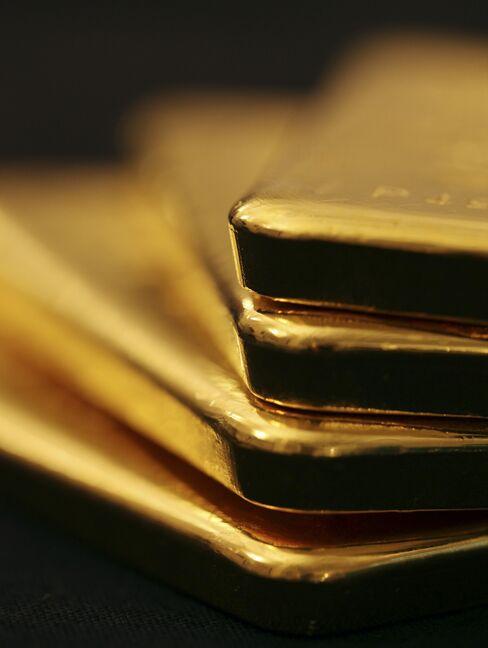 Stocks, Euro Fall Debt Crisis; Gold Longest Run Since 1980