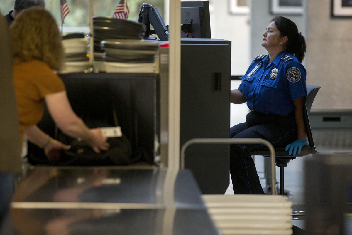 Tablets X-Rayed Separately in New U.S. Airport Screening