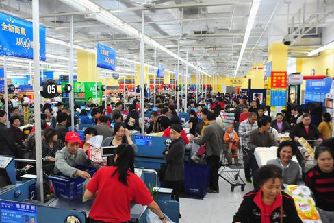 Wal-Mart Moves Into China's Hot E-Commerce Sector