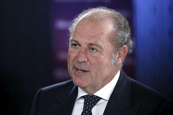 Mediobanca Builds Up Generali Clout Amid Leadership Battle