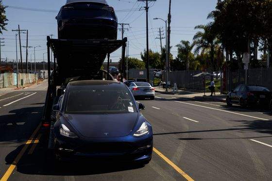 Tesla Is 'Very Close'to Profitability, Musk Says in Staff Email