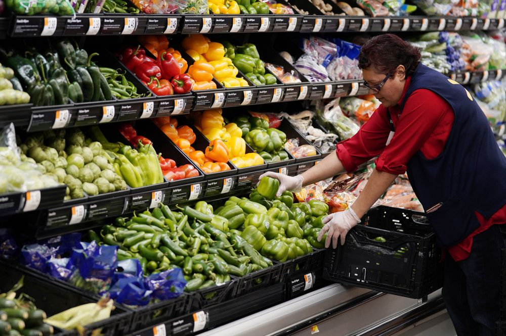 walmart shoppers are supporting poor americans bloomberg