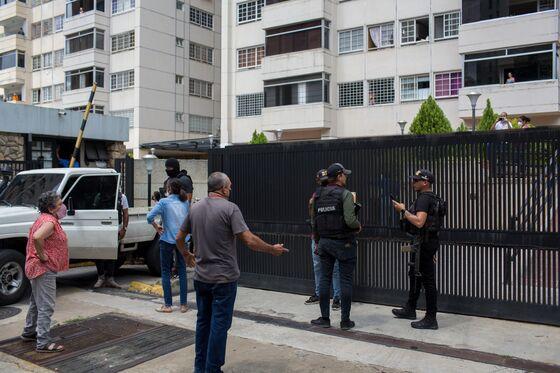 Venezuela Police Threaten Guaido, Detain Top Opposition Aide