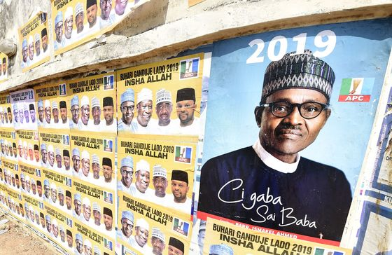 Nigerian Presidential Candidates Sign Peace Accord