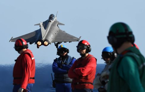FRANCE-ATTACKS-DEFENCE-CONFLICT-SYRIA-IRAQ