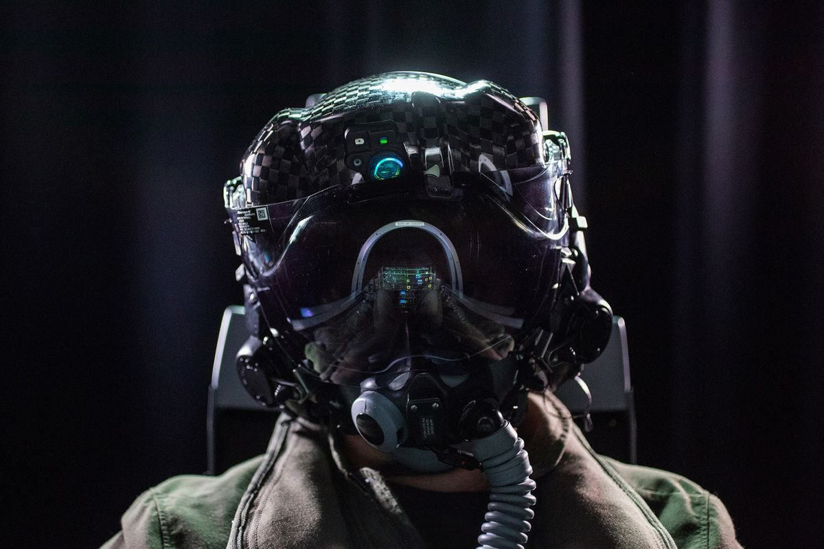 Pentagon Gets a Fix for F-35 Bug in $400,000 Pilot Helmets