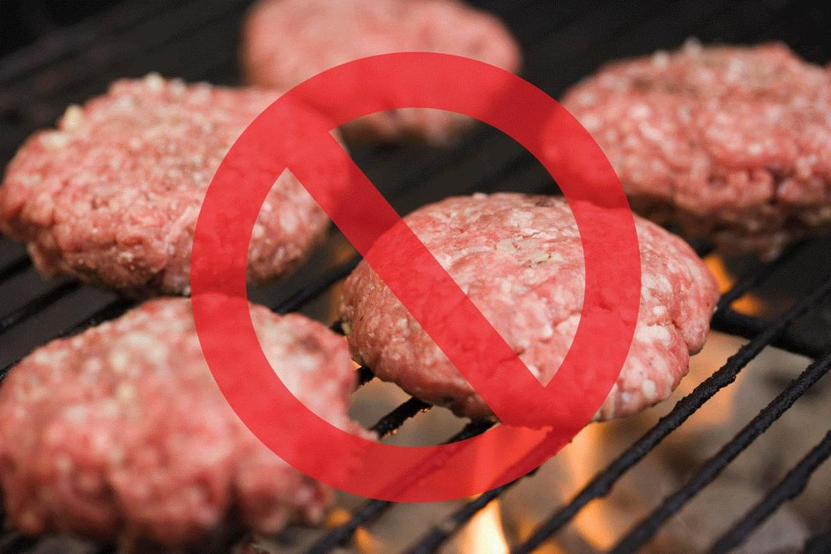 Top Chefs Say You Shouldn't Grill These Foods — Especially Burgers