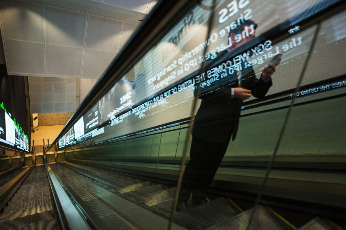Singapore Exchange Weighs Smaller Deals as Mergers Implode
