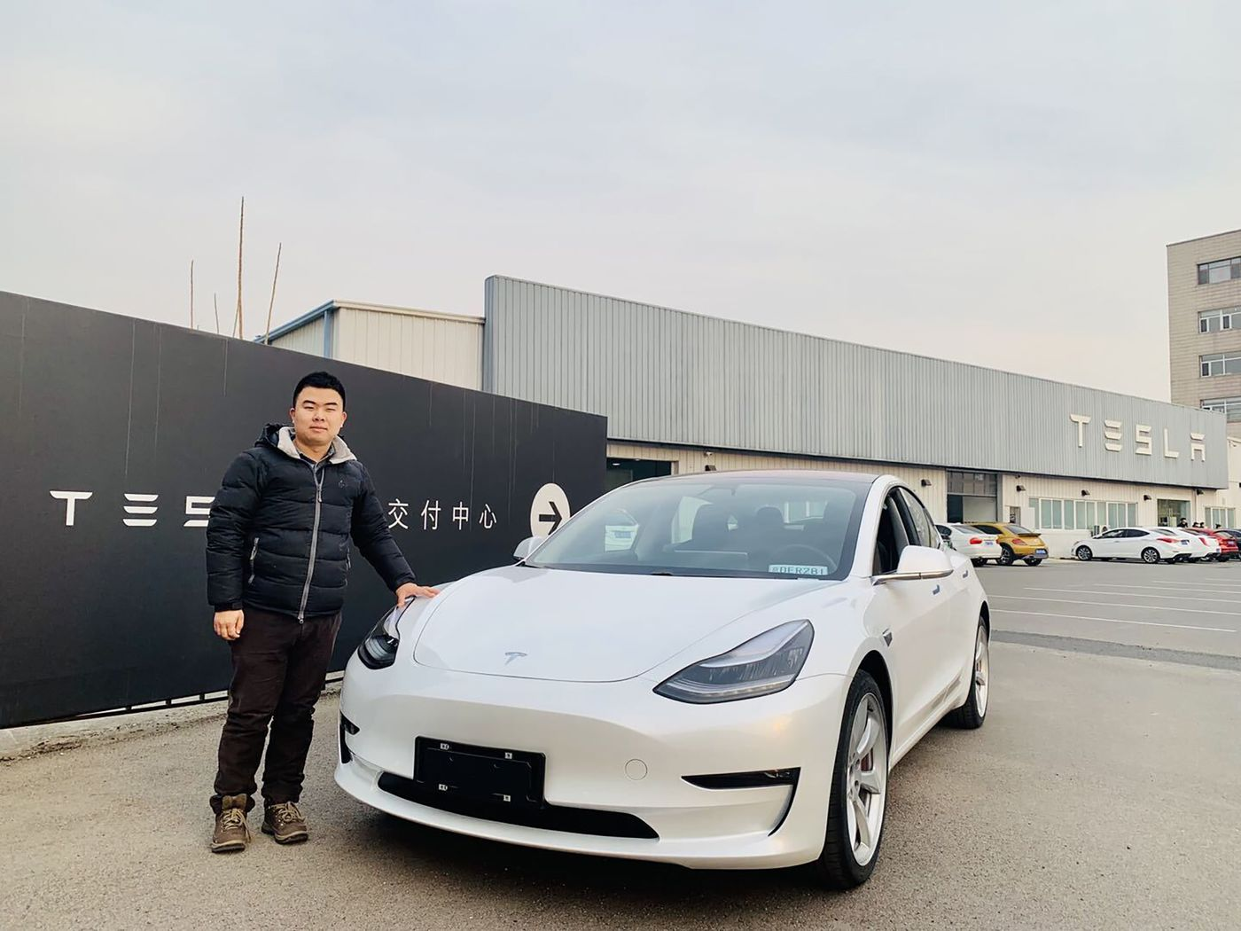 relates to EV Makers in China Turn to Social Media Influencers for an Edge