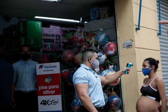 Brazilians Are Shunning Reopened Shops as Virus Upends Economy