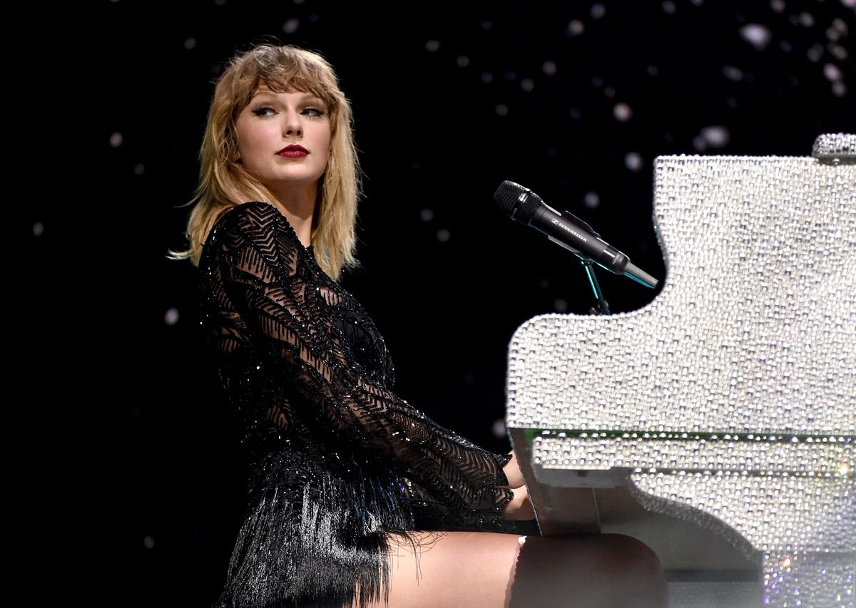 swift christian personals Taylor swift had a message for her fans on sunday night at the billboard music awards: the old taylor swift isn't dead after all the album has an urban, club-anthem ring to it, and the clothing.