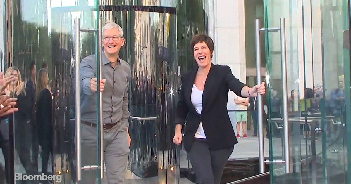 Apple Reopens Flagship Store Just in Time for New Line of iPhones