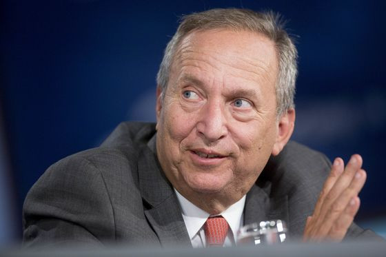 Larry Summers Calls Fed Bank Stress Test Results 'Absurd'