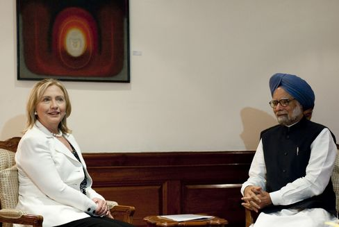 India Vows Cuts in Iran-Oil Imports as Clinton Talks Sanctions