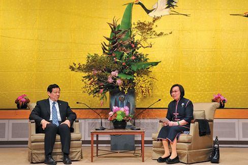 Taiwan and China: Best Friends Suddenly
