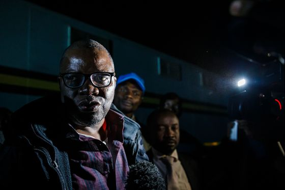 Zimbabwe Politician Out on Bail After His Return From Zambia