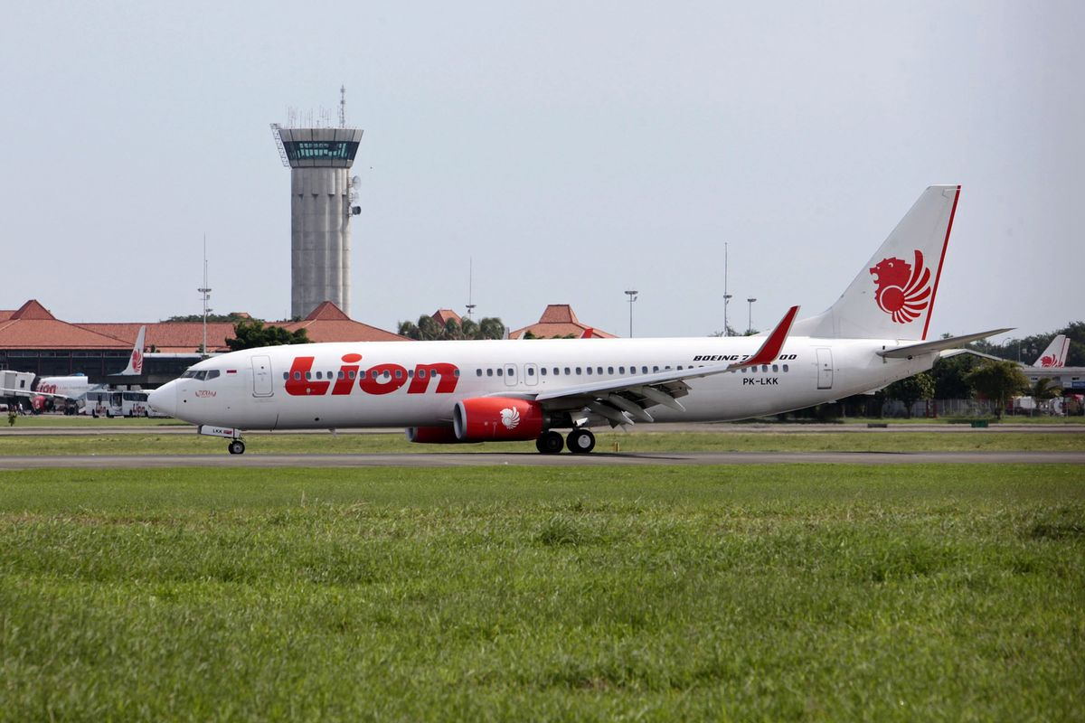 Top Airline Joins Record Rush of Indonesian Firms Planning IPOs
