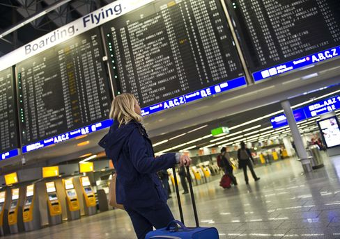 Frankfurt Airport Shut by Snow as Blizzard Idles Eurostar Trains
