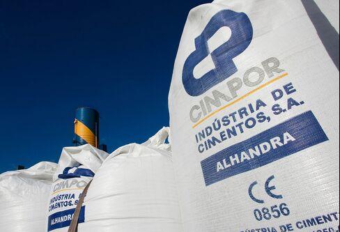 Camargo Correa Seeks Full Control of Cimpor