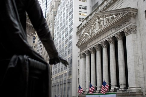 Wall Street Unoccupied With 200,000 Job Cuts