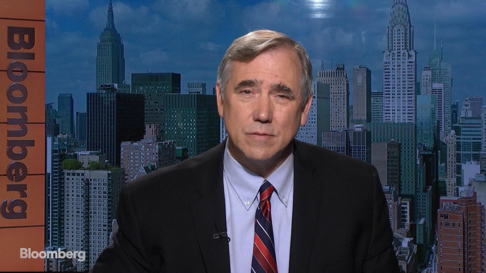 Sen. Jeff Merkley on the Politicization of Immigration