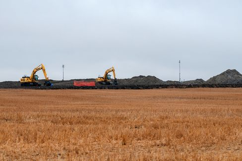 North Dakota Oil Spill Spotlights Obama Delay in Updating Rules