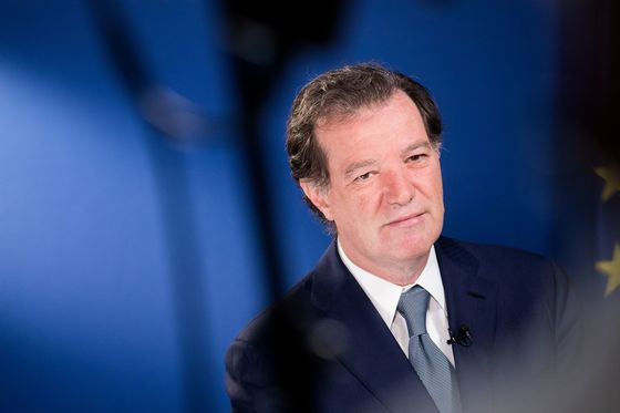 Natixis Boss Bets Billions on His Luck Turning With Buyout Deal