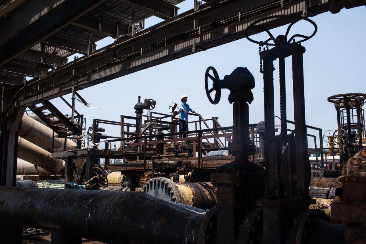 Gas 'Witch's Brew' Has U.S. Exporters Facing Worst-Case Scenario