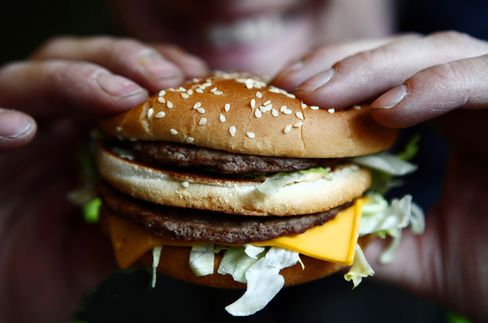 McDonald's Pushing Burgers as Salads Fail to Lure Enough Diners