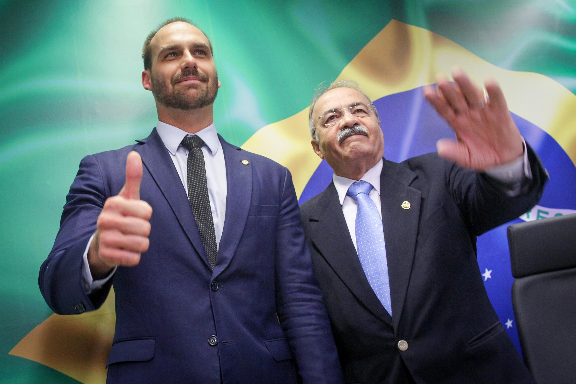 Senator Chico Rodriguez (right) with President Jairo Bolsonaro's son, Congressman Eduardo Bolsonaro (left), in 2019.