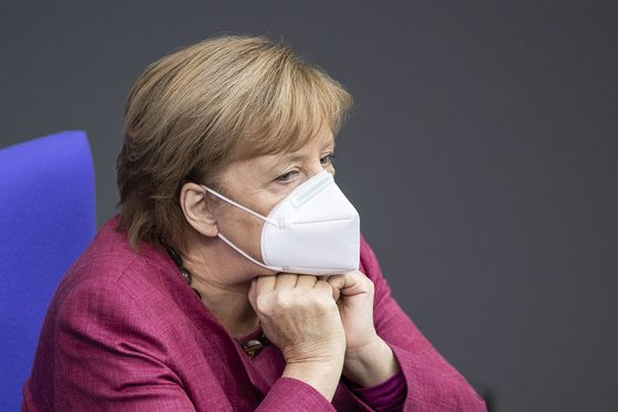 Merkel Says EU Should Have Acted Sooner as Virus Costs Mount