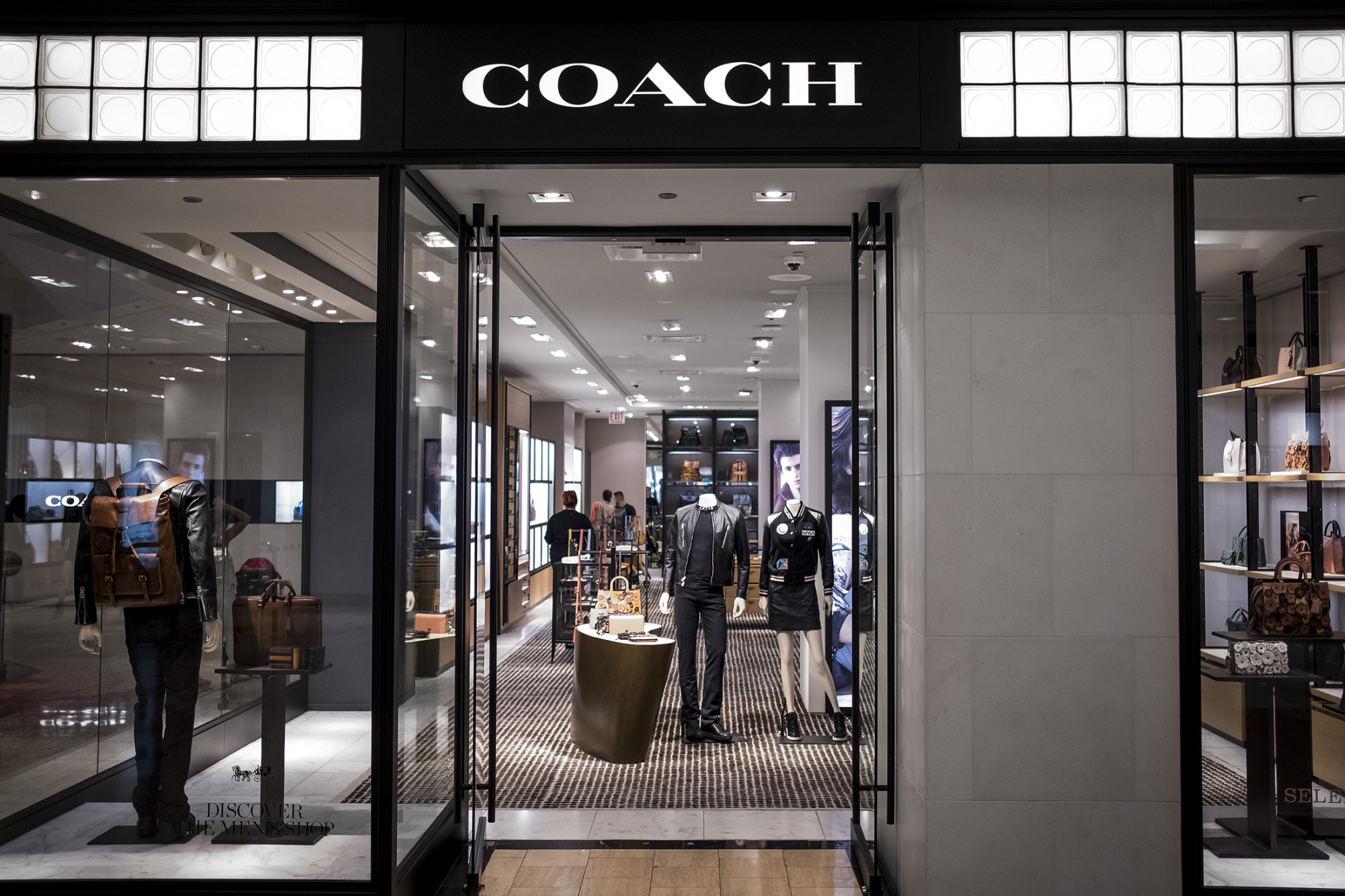 Coach Is Changing Its Name To Tapestry Bloomberg