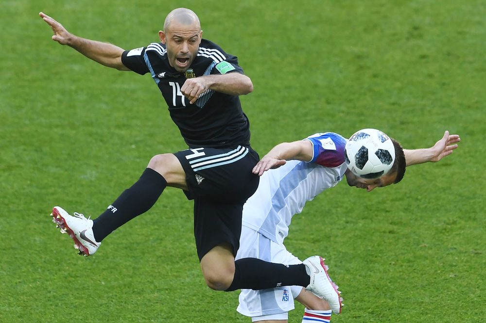 2109d1dc82e Argentina s midfielder Javier Mascherano with Iceland s midfielder Gylfi  Sigurdsson during the Russia 2018 World Cup