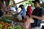 Shoppers And Infrastructures As Indonesia's GDP Growth Slows In Setback To Jokowi Reforms