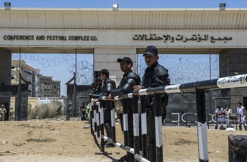 Egyptian Security Forces Stand Guard