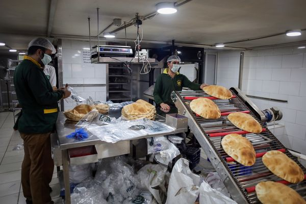 Bakery Queues As Lebanon Announces Measures to Stabilize Food Prices