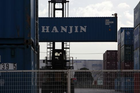 Hanjin Leads Ship Line Gains on U.S. Rates Increase