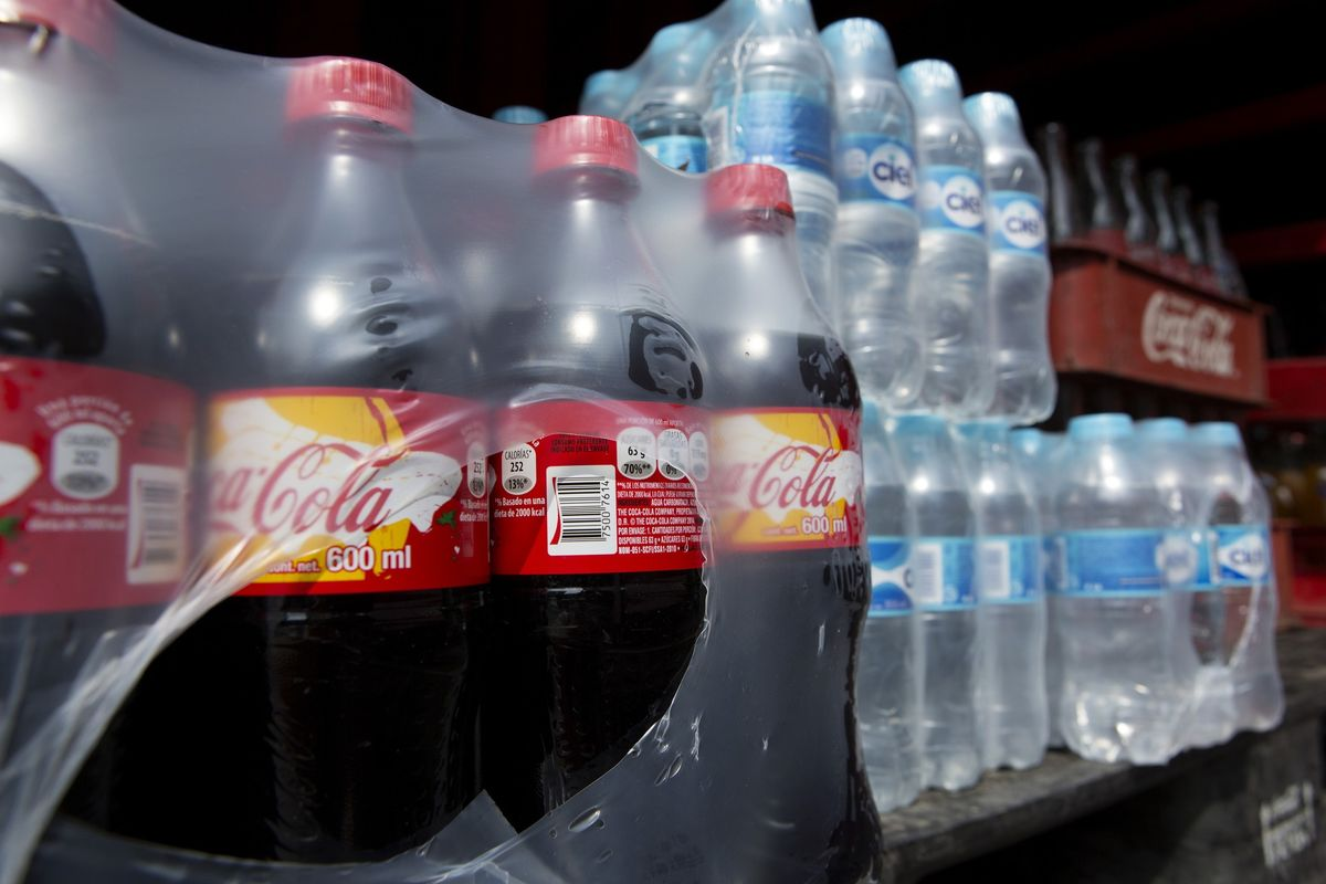 Oil's Dream to Grow in Plastics Dims as Coke Turns to Plants