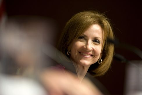 Hayworth Cites Her Independence to Fight Democratic Attacks