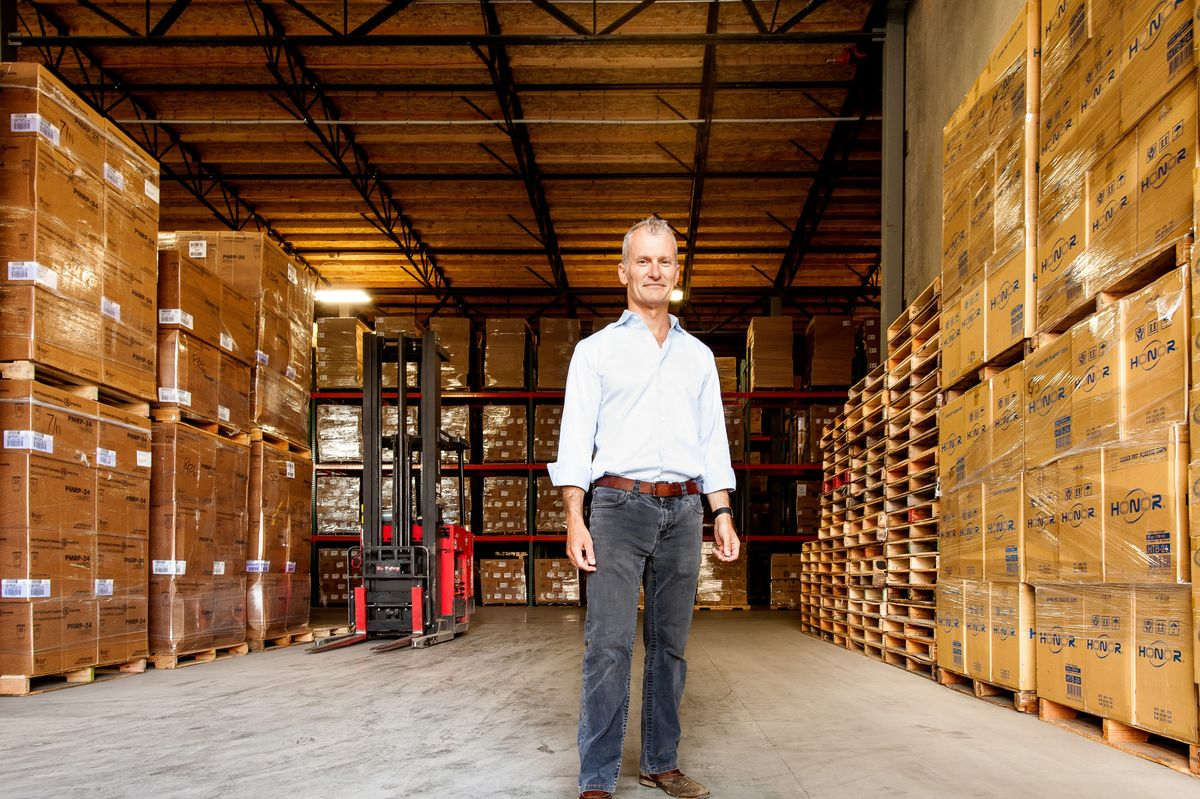 This Startup is the Airbnb of Warehouses and Has Amazon in Its Sights