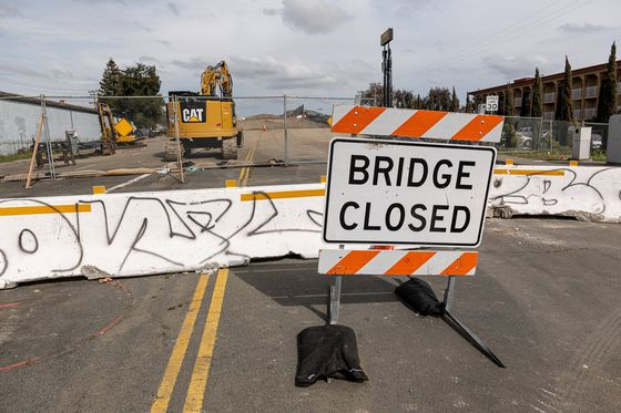 White House to Have States Compete for 10 Biggest Bridge Fixes