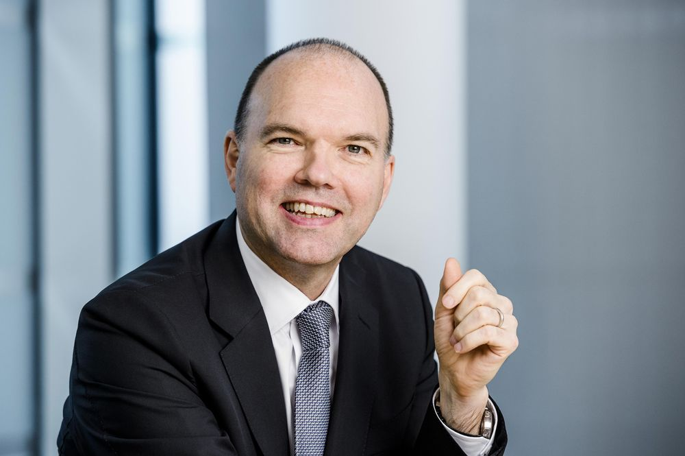 New Vodafone CEO Needs 'Safe Pair of Hands' for Deals, Rivalry