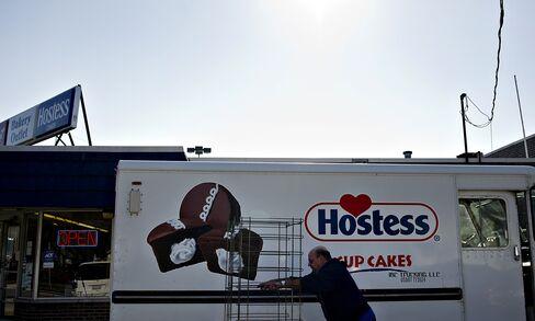 Hostess Said To Pick Apollo, Metropoulos As Lead Cakes Bid
